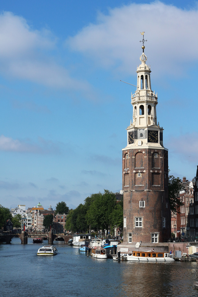 Postcard from Amsterdam - All the wonderful things Urlaubstipps Montelbaanstoren Tower