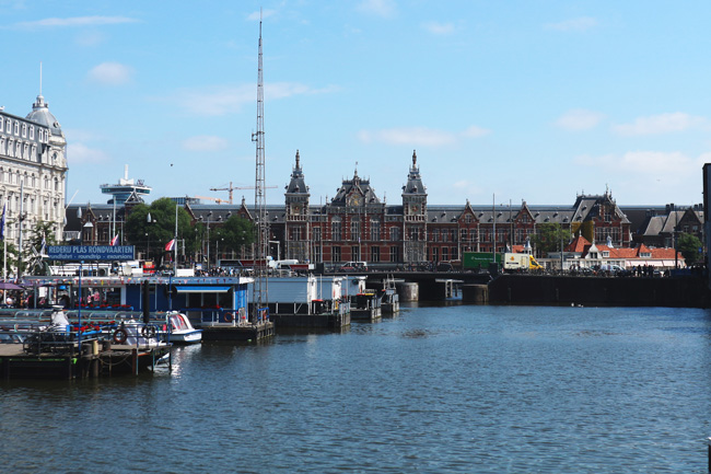 Postcard from Amsterdam - All the wonderful things Urlaubstipps Amsterdam Centraal Hauptbahnhof
