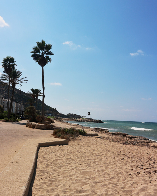All the wonderful things: Israel Traveldiary #1 - Einreise, Erste Eindrücke und Feiertage, Bat Galim Beach Haifa