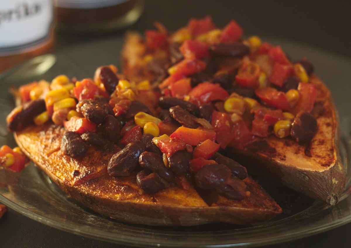 Süßkartoffel mit mexikanischem Topping