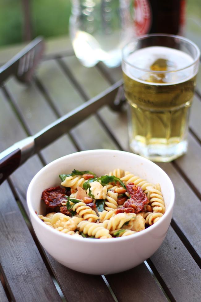 Der beste (mediterrane) Nudelsalat Rezept Grillen