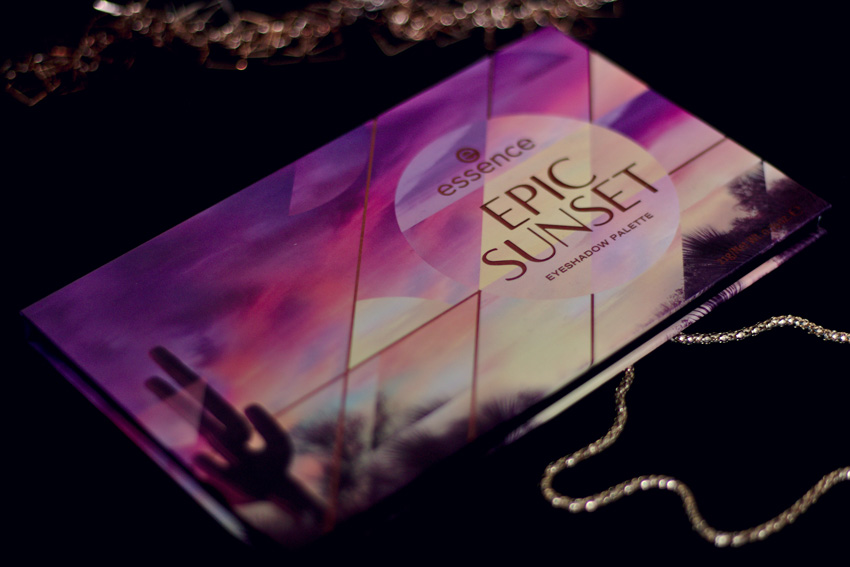 All the wonderful things: Eine Palette 3 Looks: Essence Epic Sunset; Cover von außen